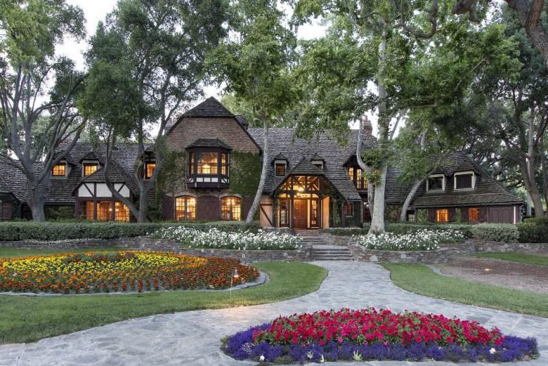 Did michael jackson 39 s neverland ranch get a makeover for Michael jackson house for sale