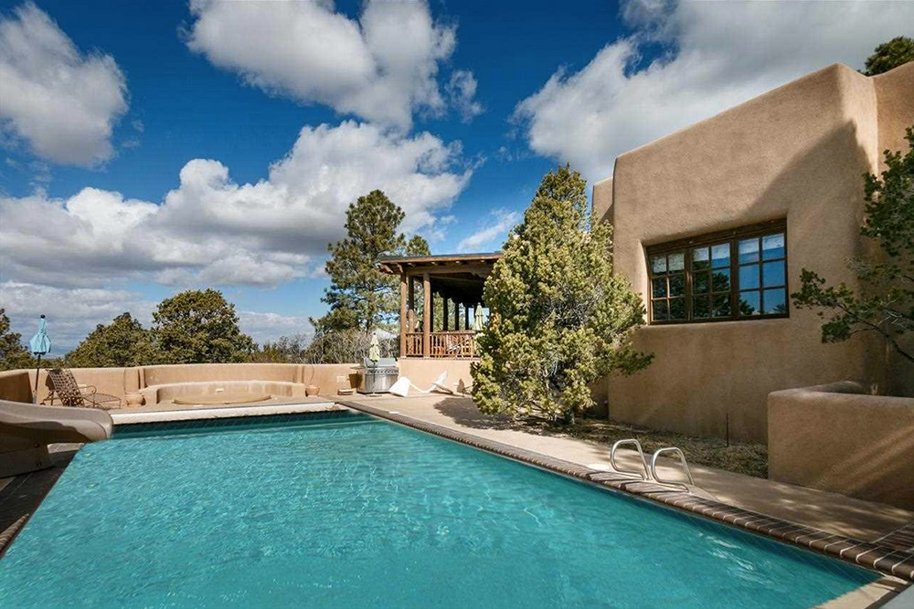 Found on Trulia: An Outdoorsy Retreat in New Mexico - Pool