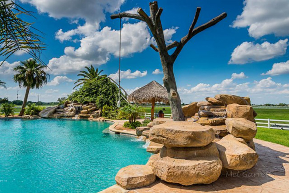 June2015 Trulia 9 Homes For Sale With Epic Water Slides El Campo