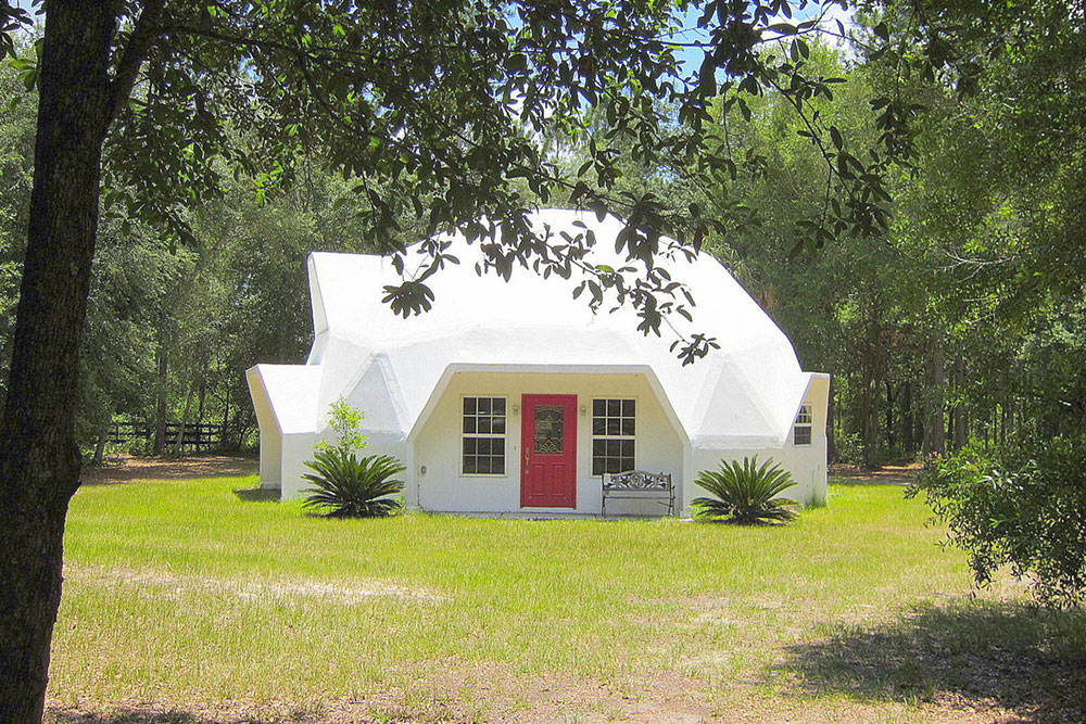 There's No Place Like Dome: 7 Geodesic Homes - Trulia's Blog ... on 1800 sq ft ranch house plans, under 100 square feet architect plans, 2 000 sf ranch house plans, 2000 sq foot house plans, 2000 square feet, inexpensive two-story house plans, 2000 square foot english cottage house plans, 1500 sq ft ranch plans,