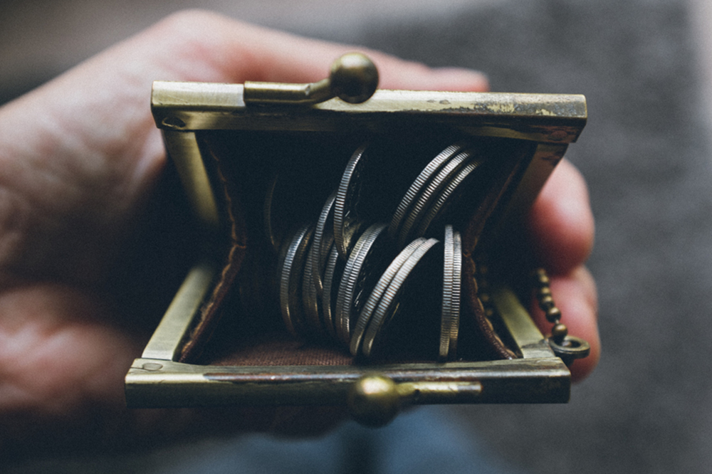 coin purse with quarters