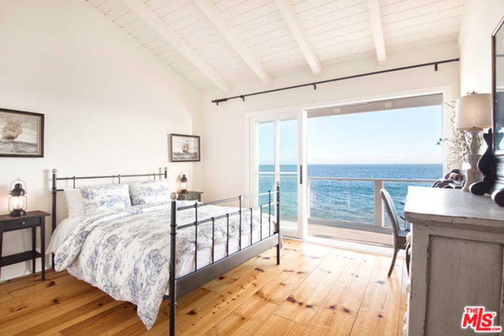 Craig Ferguson Flips His Malibu Beach Home Celebrity