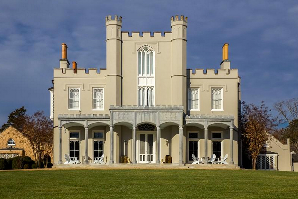 Found on trulia gothic architecture in charlotte county for Racquetball court construction cost
