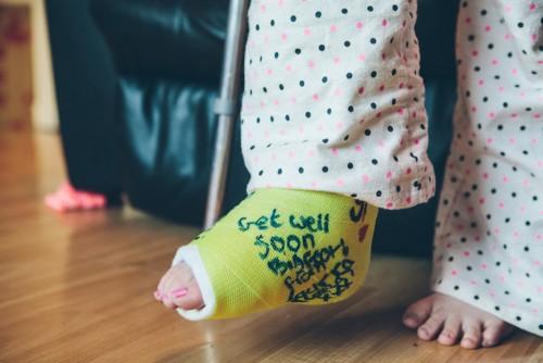 Kid with broken leg
