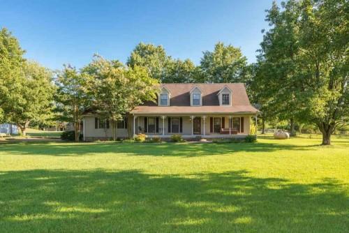 farm houses for sale