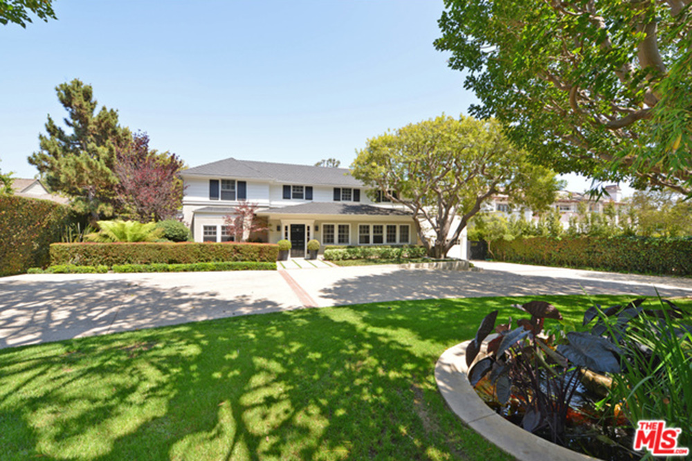 brentwood mobile home park with Alyson Hannigan And Alexis Denisof Drop 8 Million On A Family Friendly Home In Brentwood on 23151332 besides Index likewise 41152130 moreover Whitworth Homes For Sale likewise 41152130.