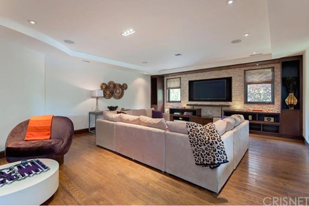 Denise richards is selling her longtime home in hidden for Denise richards home decor