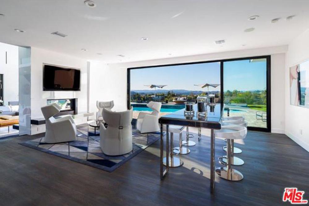 John Legend And Chrissy Teigen: New Year, New Baby U2026 New House!   Celebrity    Trulia Blog