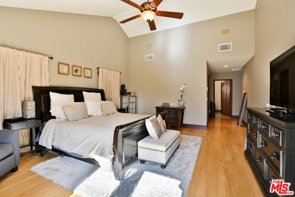 Sherman Oaks Apartments For Sale