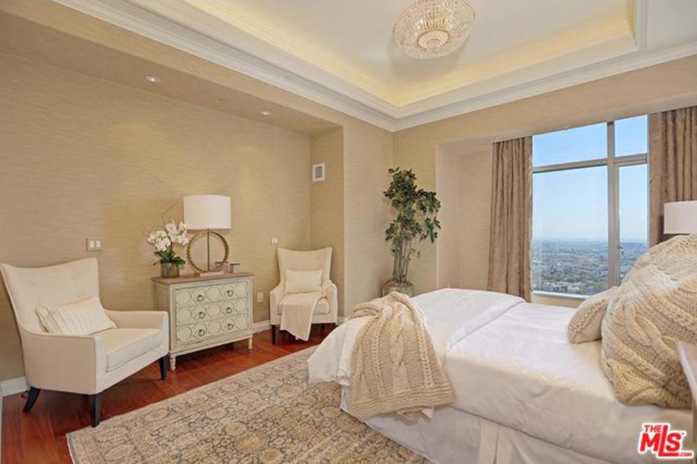 Yolanda Foster Los Angeles CA Real Estate Bedroom