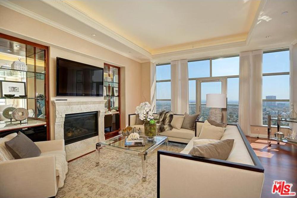 Yolanda Foster House Los Angeles CA Real Estate Living Room