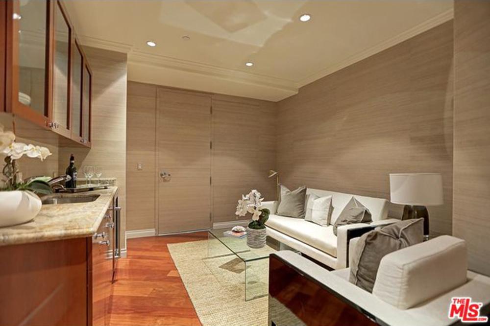 Yolanda Foster Los Angeles CA Real Estate