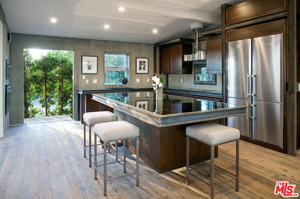 Joe Jonas Rents Hollywood Hills Home Trulia S Blog