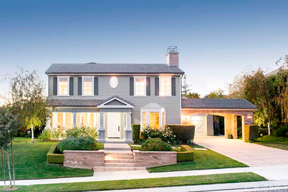 Kris Jenner House Purchase The Reality Tv Star Takes A Ing Another Calabasas Home Celebrity Trulia Blog