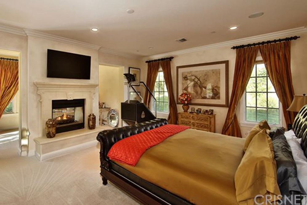 sold the toni braxton house in calabasas celebrity 12212 | toni braxton house sells in calabasas ca master master bedroom