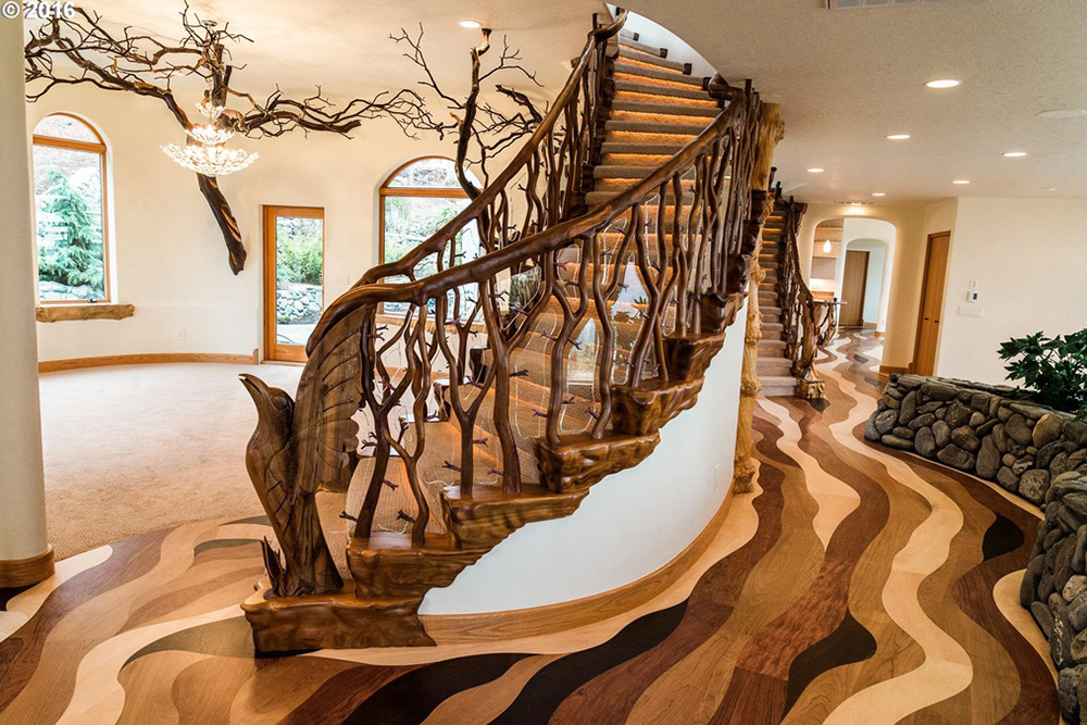 game of thrones house for sale in Ashland OR Foyer