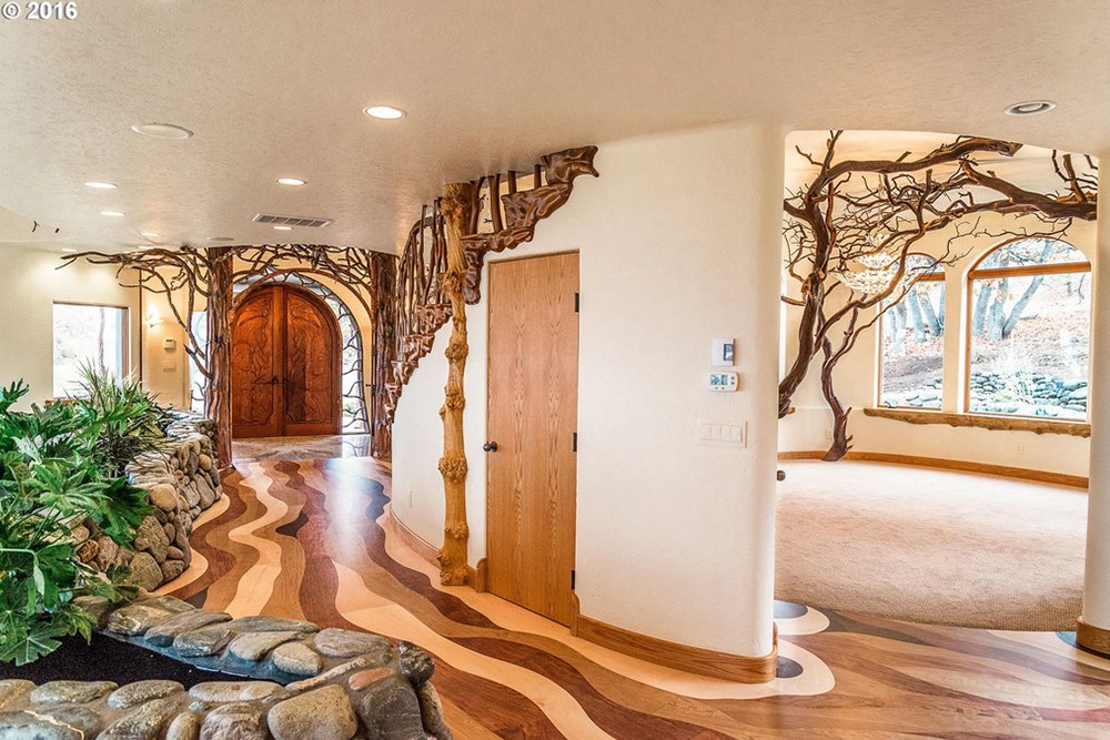 game of thrones house for sale in Ashland OR Wood Floor