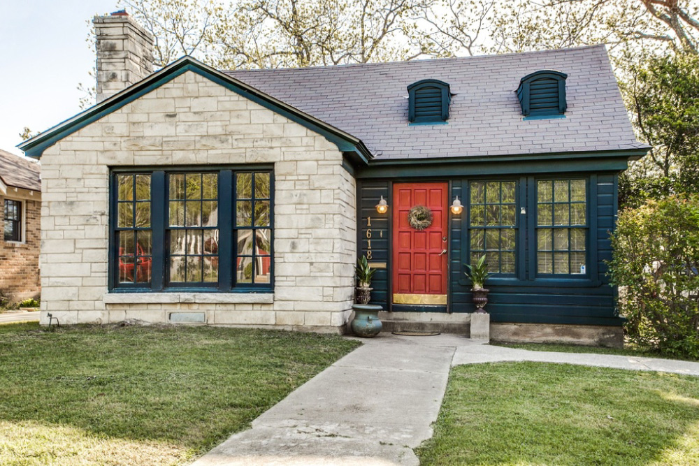 Home for sale in dallas tx with DIY Landscape Design