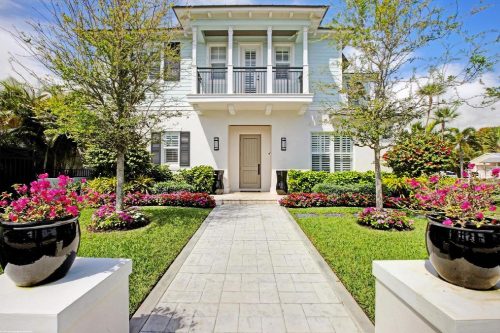 Home for sale in Delray Beach FL with DIY Landscape Design