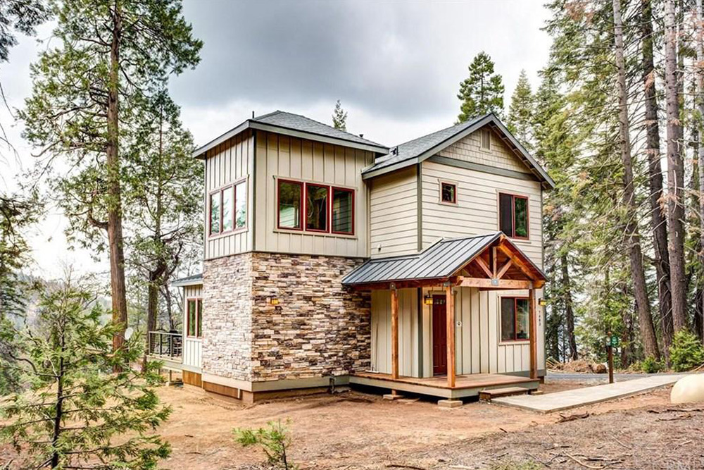 exterior of home for sale in yosemite national parks