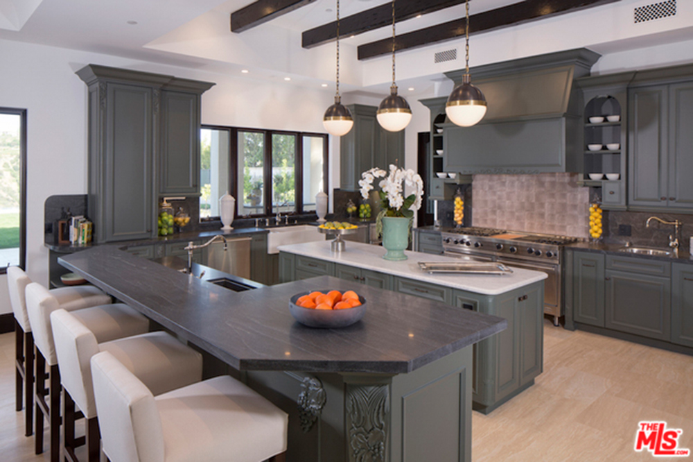 kathy griffin house purchase in los angeles ca celebrity trulia blog. Black Bedroom Furniture Sets. Home Design Ideas