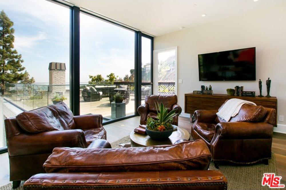 Kendall Jenner Buys The West Hollywood House Of John Krasinski And Emily  Blunt   Celebrity   Trulia Blog