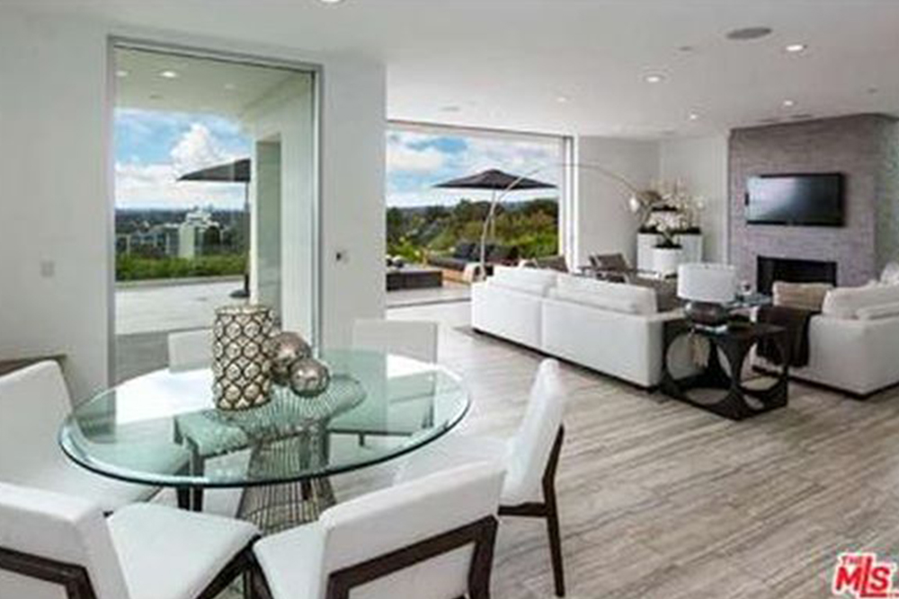 Harry Styles 2016 Brings A New House Off The Sunset Strip