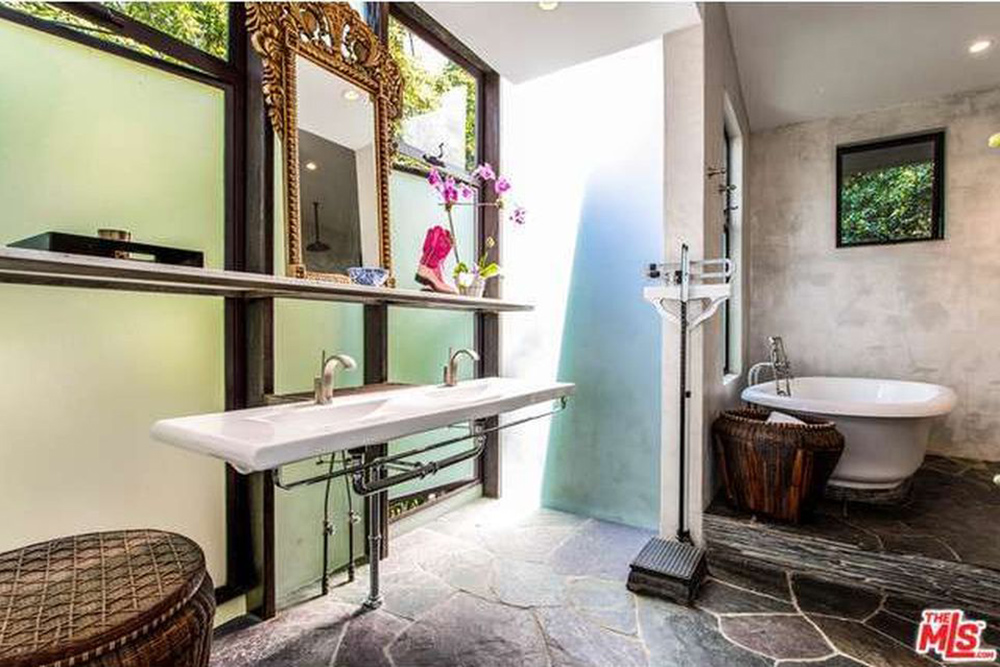 The Chainsmokers Alex Pall Buys In LA guest bathroom