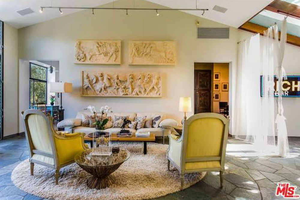 The Chainsmokers Alex Pall Buys In LA living room