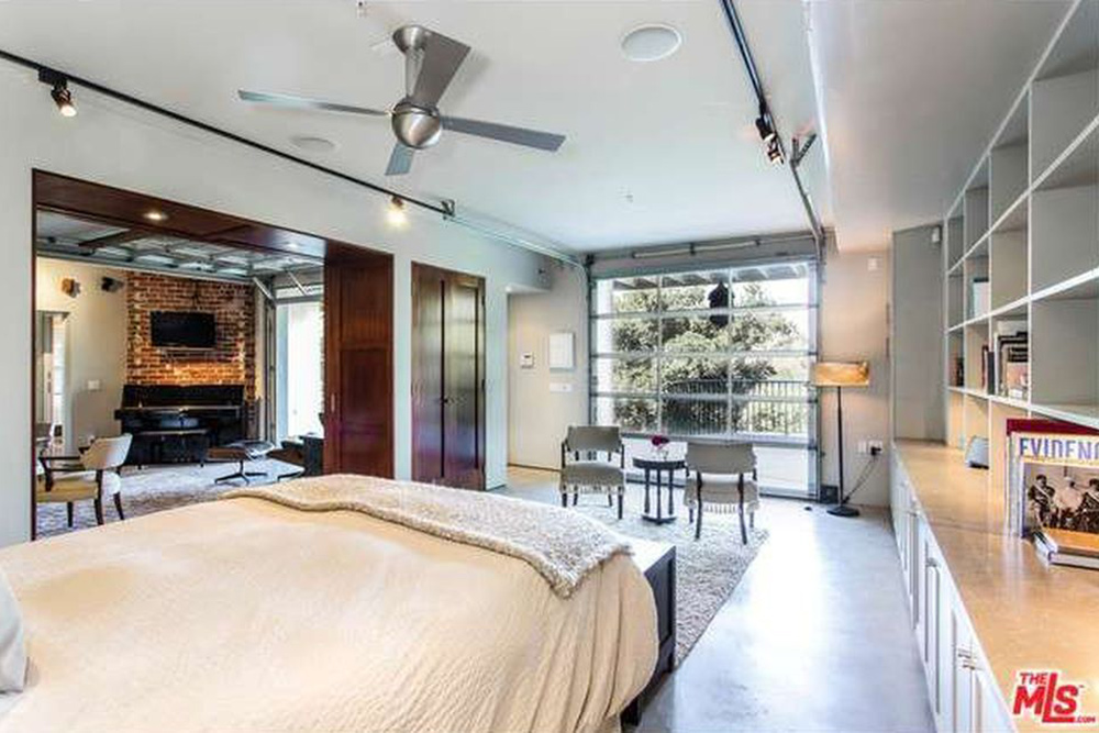 The Chainsmokers Alex Pall Buys In LA bedroom