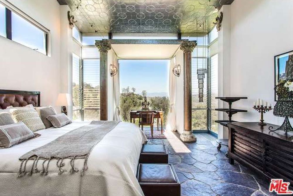 The Chainsmokers Alex Pall Buys In LA master bedroom