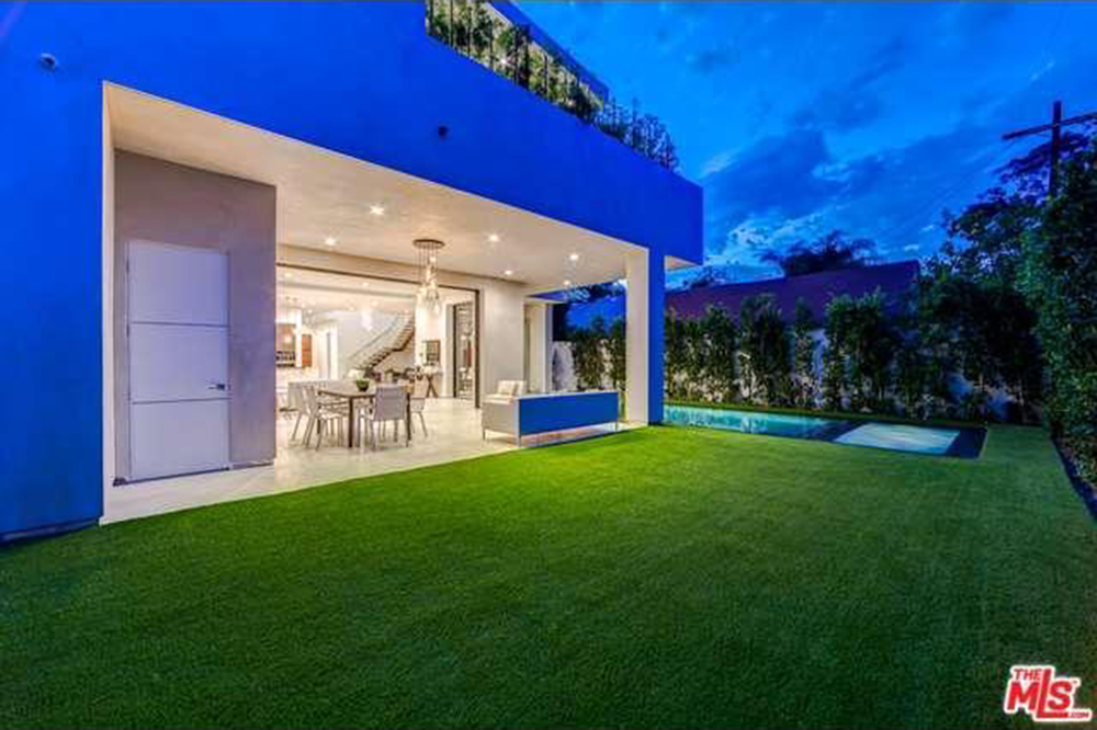 The Chainsmokers Drew Taggart Buys House In Los Angeles CA Backyard