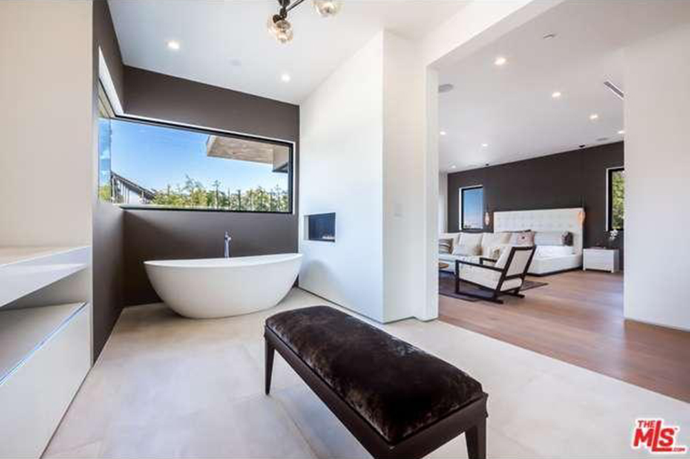 The Chainsmokers Drew Taggart Buys House In Los Angeles CA Bathroom