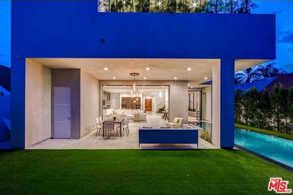 The Chainsmokers Drew Taggart Buys House In Los Angeles CA Lawn