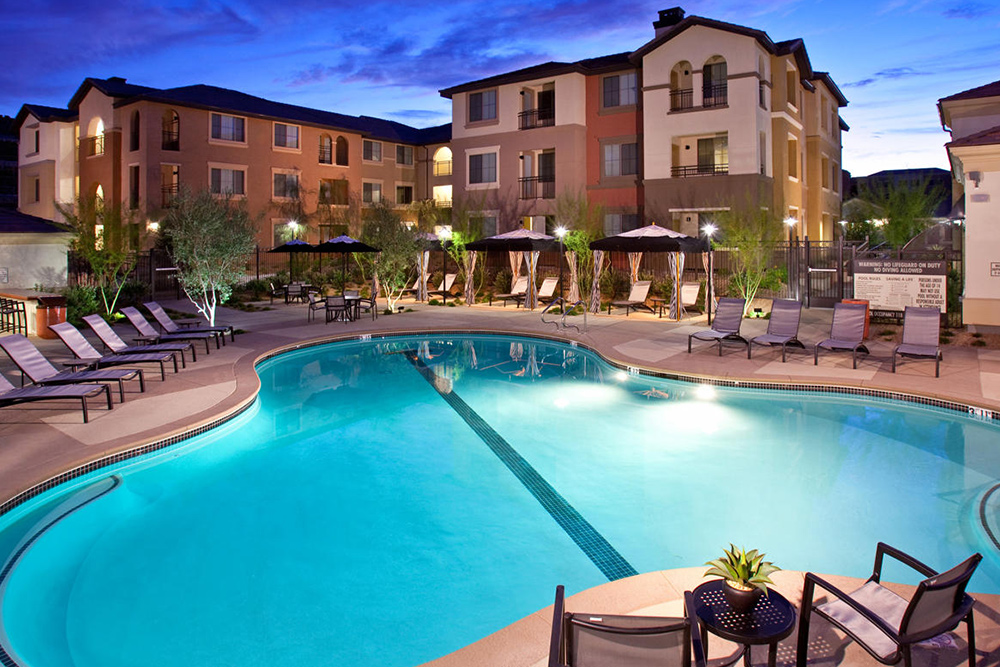 las vegas pool apartments for rent under 1000