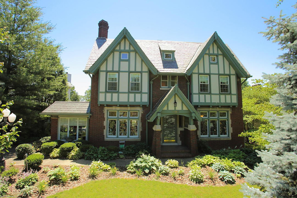 9 Tudor Houses For Sale Real Estate 101 Trulia Blog