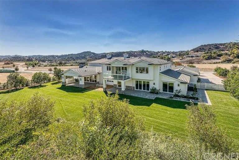 A New House For Kylie Jenner In Hidden Hills Ca Celebrity