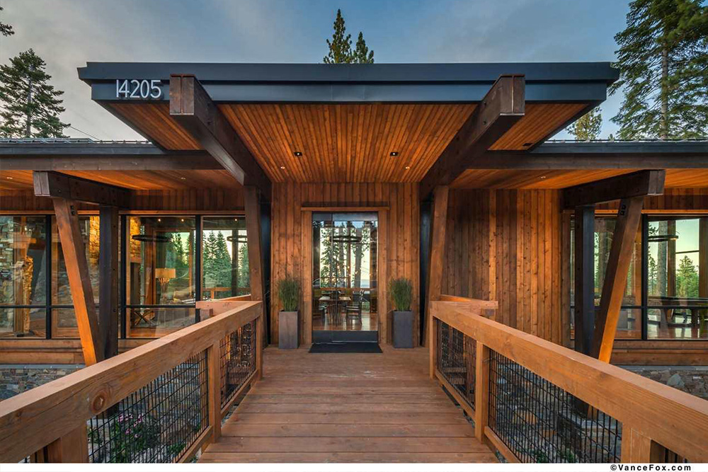 10 homes with fabulous entry doors for sale on trulia for Glass houses for sale in california