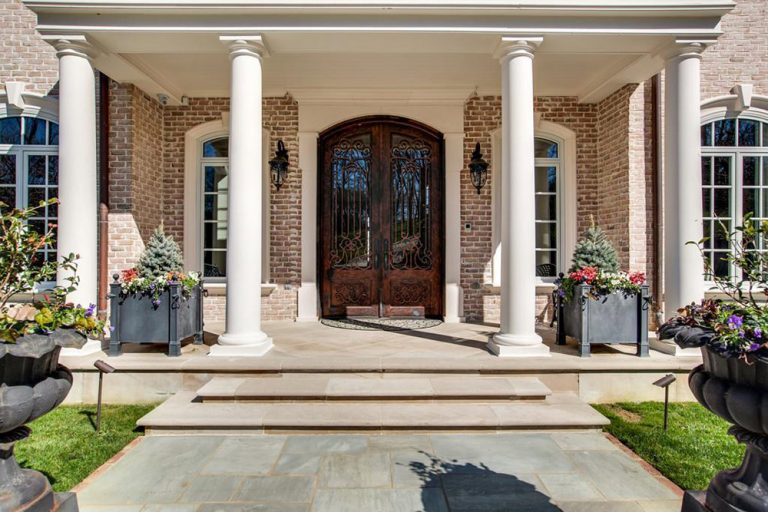 Kelly Clarkson\u0027s Tennessee Mansion Hits The Market - Celebrity - Trulia Blog & Kelly Clarkson\u0027s Tennessee Mansion Hits The Market - Celebrity ...