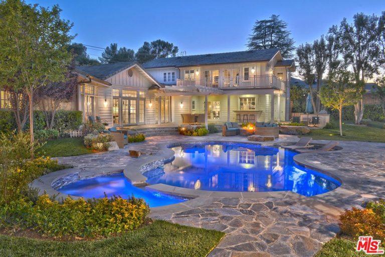 Iggy Azalea and Nick Young home for sale in Tarzana, CA pool at night
