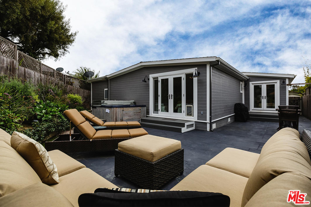 Can You Believe The Prices Of These Luxury Mobile Homes Life At