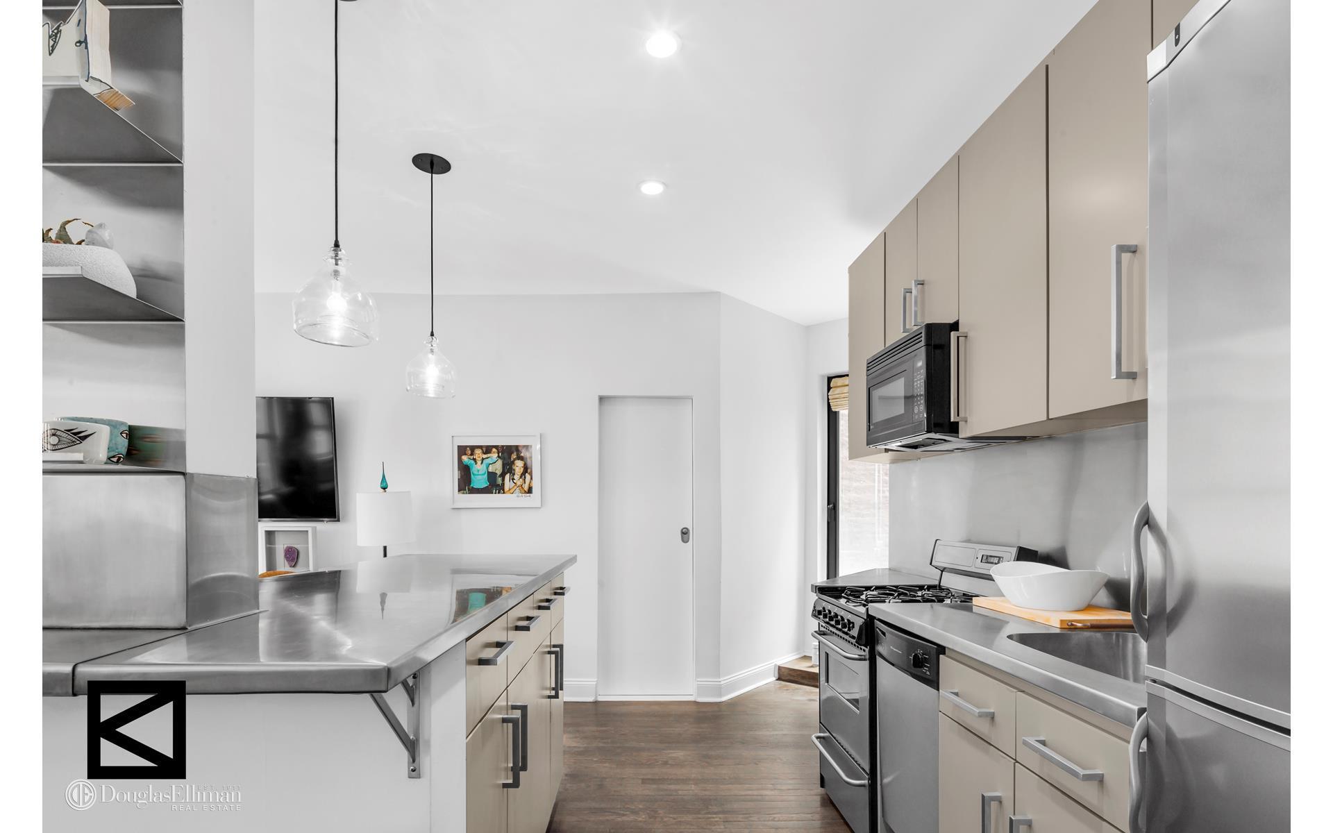 Diane Kruger Buys New York Condo Kitchen