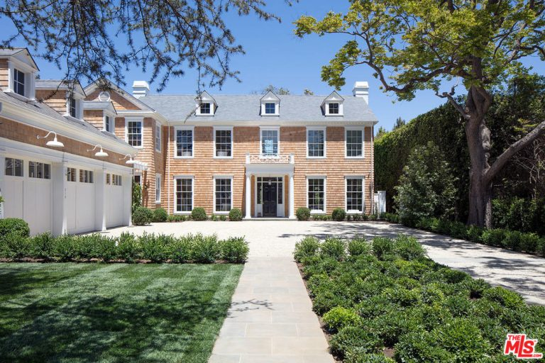 Lindsey Buckingham New Construction in Brentwood Exterior