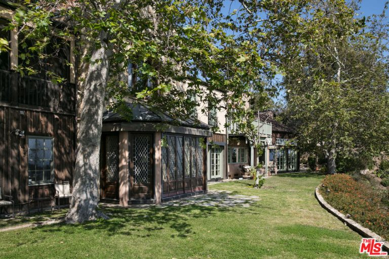 Mel Gibson Malibu Estate Exterior