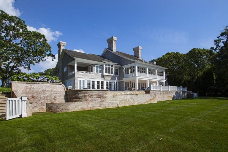 Beyonce and Jayz Buy hamptons home exterior
