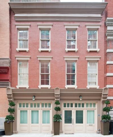 taylor swift drops 18 million on NY townhouse exterior