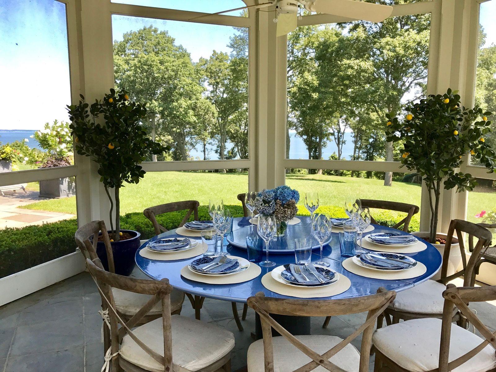 harvey weinstein lists hamptons home dining