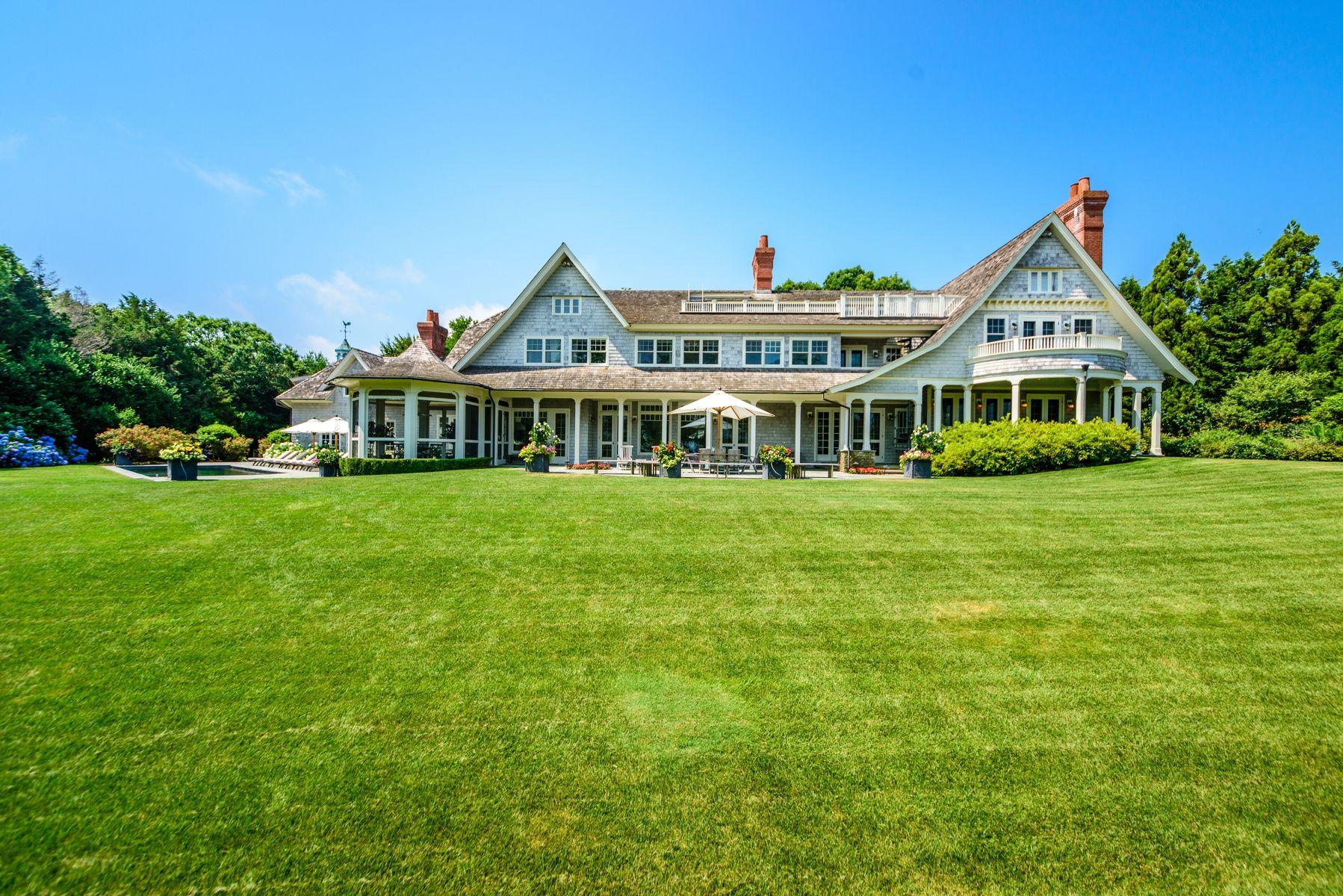 harvey weinstein lists hamptons home exterior