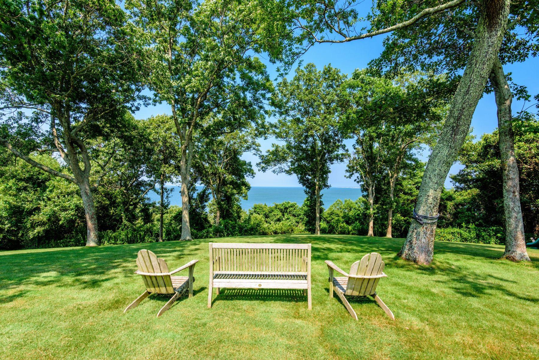harvey weinstein lists hamptons home lawn