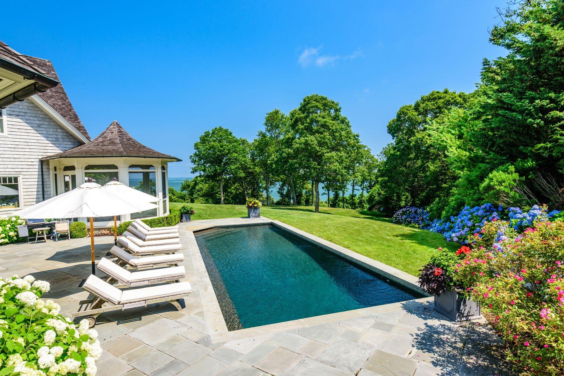 harvey weinstein lists hamptons home pool